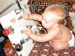 Игрушки для мальчика своими руками фото