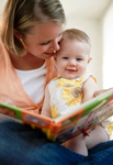 Знакомим ребенка с книгами