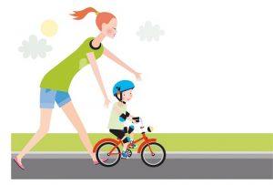 mama 3 300x203 - Как научить ребенка кататься на двухколесном велосипеде