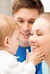 Усыновить ребенка: кому от этого хорошо?
