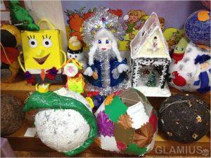 giganty 300x225 - Новогодние ёлочные игрушки своими руками