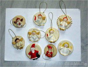 igrushki iz solenogo testa s krugloj osnovoj 300x231 - Новогодние ёлочные игрушки своими руками