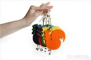 prostoj petushok iz fetra na elku 300x199 - Новогодние ёлочные игрушки своими руками
