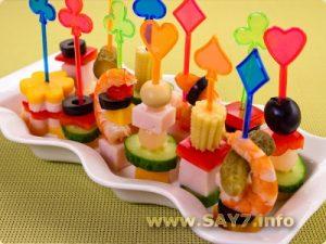 menu07 300x225 - Детский день рождения. Как организовать и провести детский праздник дома. Советы. Рецепты