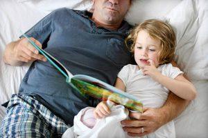 0e836a8d2f0c0466f3ac4ea37f90856f 300x200 - 12 спокойных игр перед сном для детей 2-4 лет и 4-6 лет