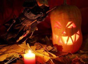 halloween fixtures pumpkins image attribute 24339 300x220 - С чем пришел, тыквоголовый Джек ?