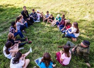 Lager.Besedy 300x218 - О. Никита Заболотнов: как правильно организовать летний лагерь?