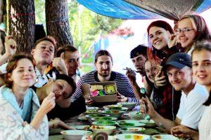 Lager.Vozhatye 300x200 - О. Никита Заболотнов: как правильно организовать летний лагерь?