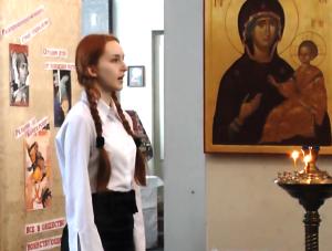 3Fragmenty vystupleniya v hrame1 300x227 - Воспитание школьным театром: детям важно показывать разные стороны жизни