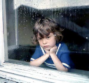 DEF3z3mT1C 300x279 - «Испытание детством. На пути к себе» (фрагмент) – Наталия Инина