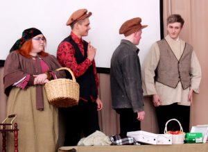 IMG 0054 300x219 - Воспитание школьным театром: детям важно показывать разные стороны жизни