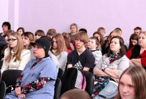 Zriteli 2 300x204 - Воспитание школьным театром: детям важно показывать разные стороны жизни
