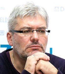 vodolazkin diplom 265x300 - Писатель Евгений Водолазкин: «В книгах бытие более осмысленное»