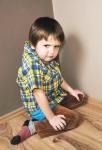 Стояние в углу: полезно ли такое наказание для ребенка?