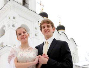 marriage01 300x230 - Недопустимость суррогатного материнства  признают миллионы христиан