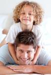 Вырастить ребенка по-настоящему счастливым: советы Михаила Лабковского