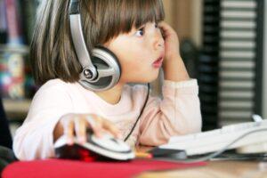 fruehuebt 300x200 - Ребёнок, пандемия и фейки: как оградиться от лживых новостей