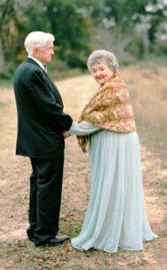 for 63 years love8 186x300 - Кризисы семьи: любовь – возобновляемый источник