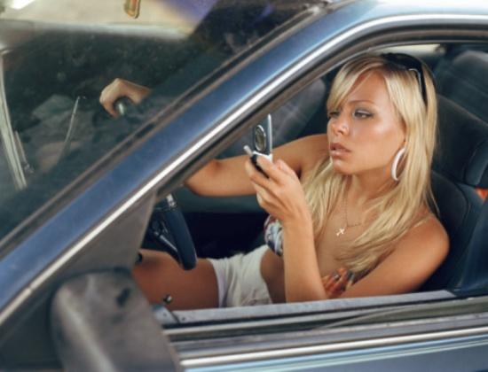 Блондинка с богатым дяденькой в машине фото 547-218