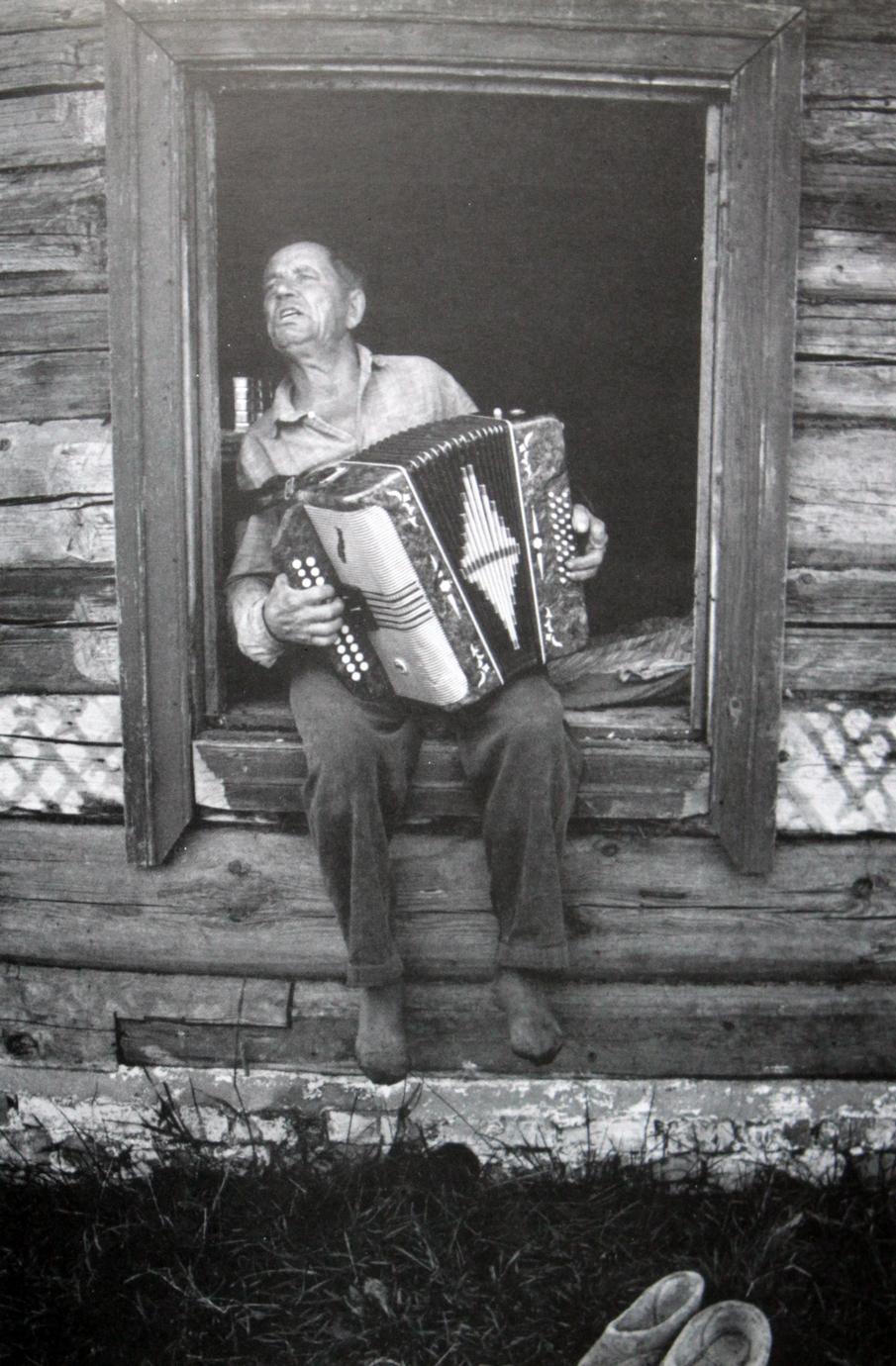 Русский мужик затащил в баню бабу 9 фотография