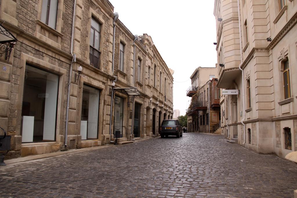 ярким фото бакинских улиц предлагаем