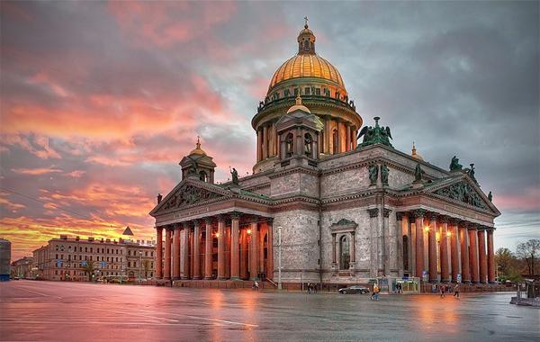Cобор Исаакия Далматского (Санкт-Петербург).jpg