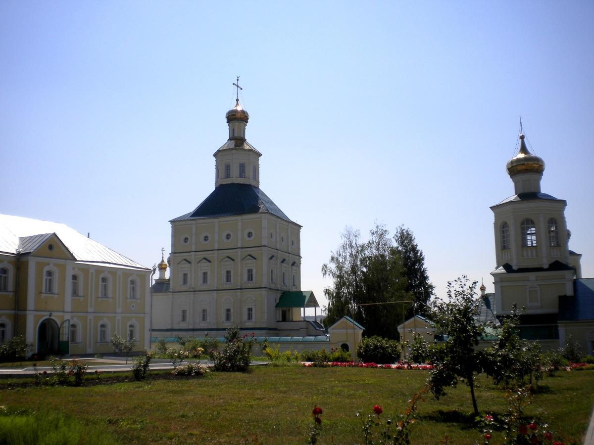 можно красота макаровского монастыря фото ним