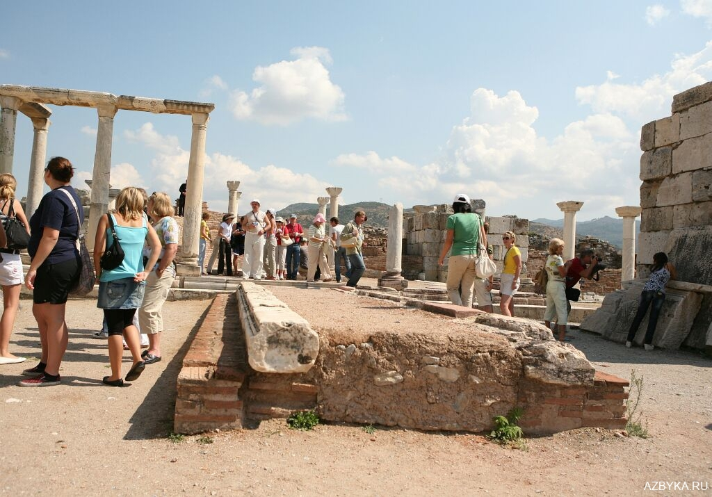 Руины храма Апостола и Евангелиста Иоанна Богослова в Эфесе