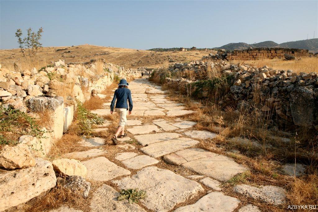 Храм на месте погребения Апостола Христова Филиппа