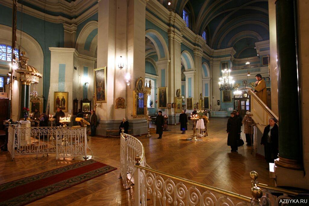 Интерьер храма 18 в.
