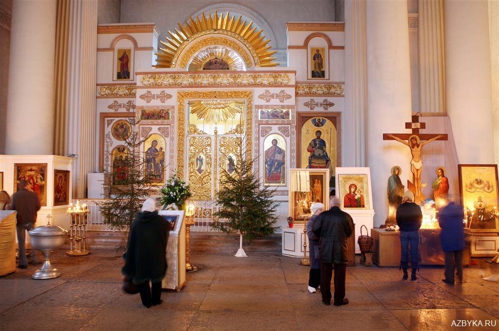 Мы в приделе св. мученика Иоанна Воина в Свято-Троицком Измайловском соборе.