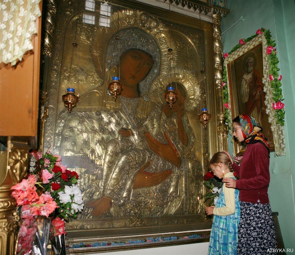 Старорусская икона Божией Матери