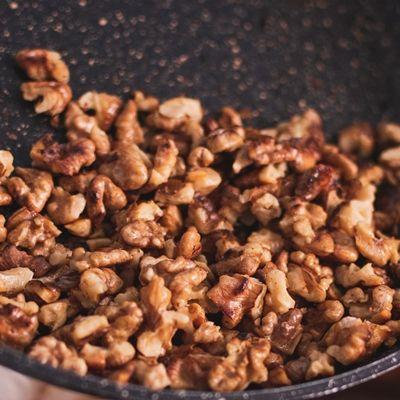 Грецкие орехи жареные
