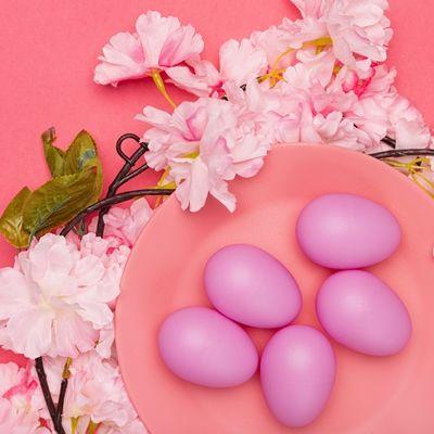 Яйца пасхальные крашенные свекольным соком