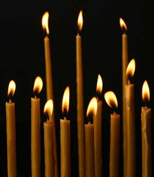 Можно ли лечиться при помощи церковной свечи?