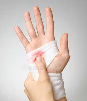 Первая (доврачебная) помощь при ранениях