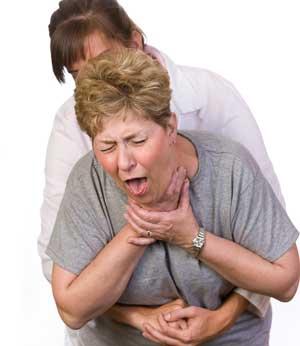 Что делать при попадании еды в дыхательное горло?