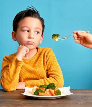 Не хочу и не буду: ребенок плохо ест, что делать?