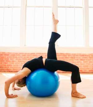 Для чего нужны упражнения с гимнастическим мячом?