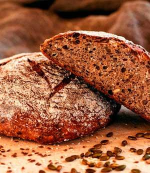 Безопасно ли есть хлеб и сыр с плесенью?