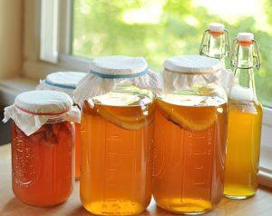 u 6df8850b8134549c3837d135fb92b997 800 e1486986970753 300x238 - Комбуча (чайный гриб): свойства, противопоказания, рецепт напитка