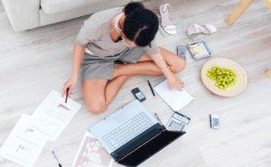 Keep yourself occupied 300x185 - Избавиться от предменструального синдрома