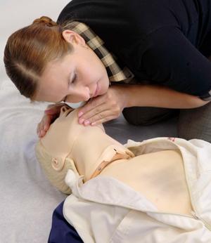 Как спасти человека, когда у него нет сознания, дыхания, пульса