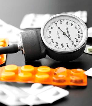 Достаточно ли при гипертонии двух препаратов?
