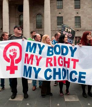 Движение прочойс: борьба с жизнью и правами женщин